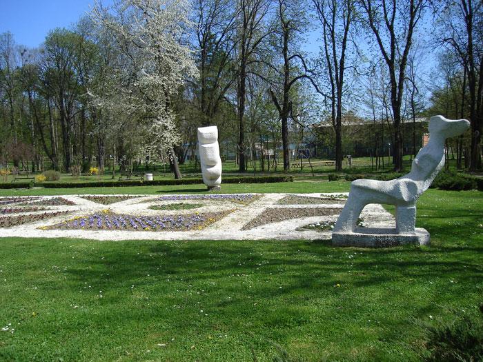 park bukovicke banje statue