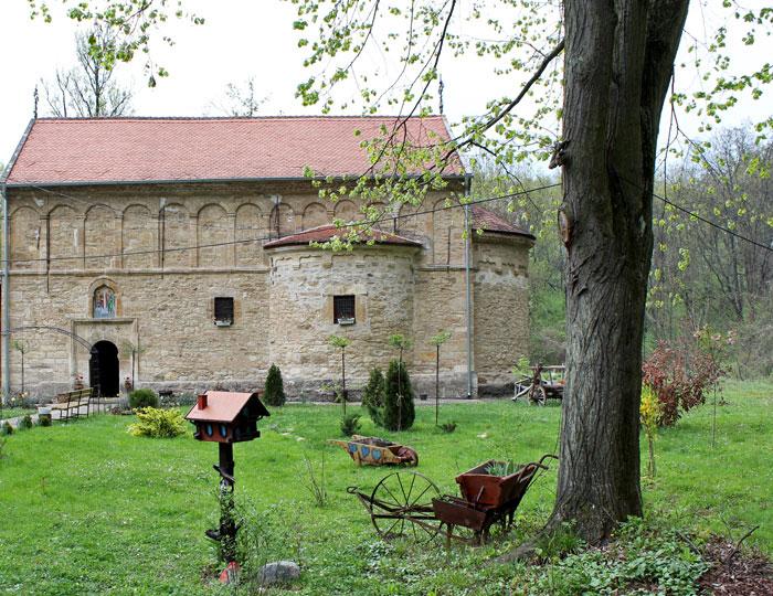 Manastir Zaova
