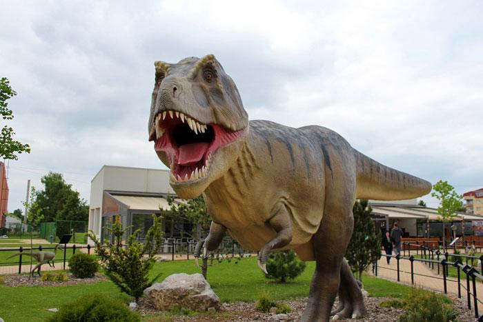 Dinosaurus T-rex u Dino parku Svilajnac