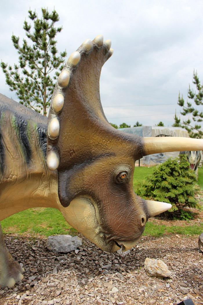 Dinosaurus Triceratops u Dino parku Svilajnac